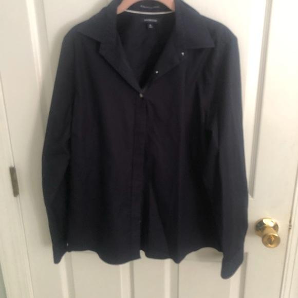 Lands End N0 IRON navy button down cotton blouse